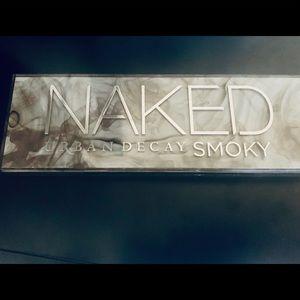 Naked Urban Decay Eyeshadow Palette + Skincare kit